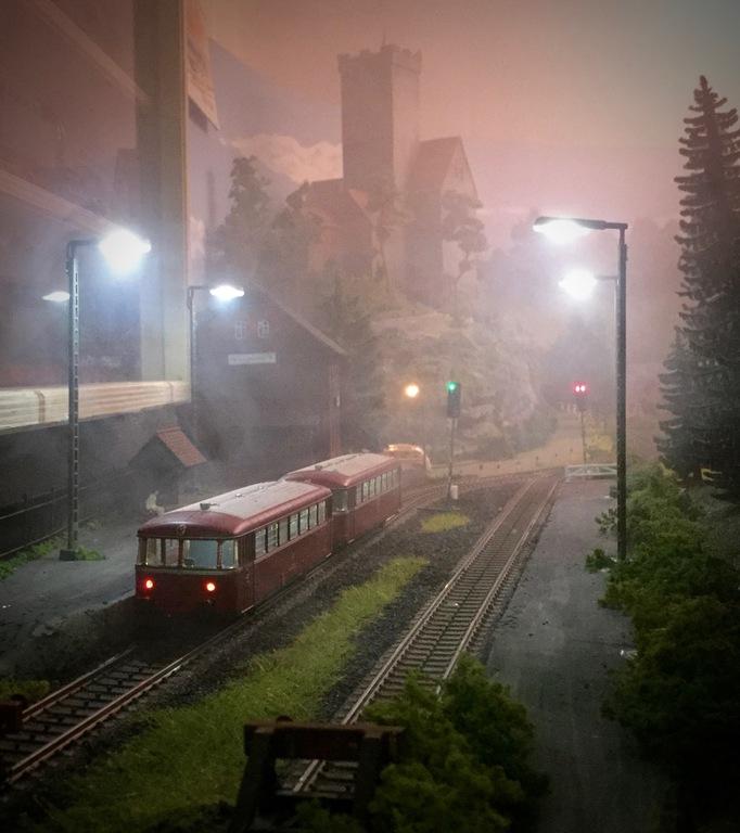 Abendstimmung am Bahnhof Heinrichsburg